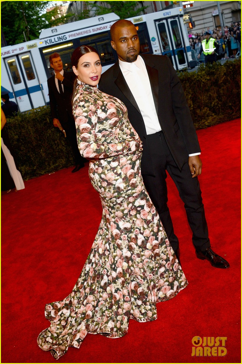 kim kardashian kanye west met ball 2013 red carpet 05