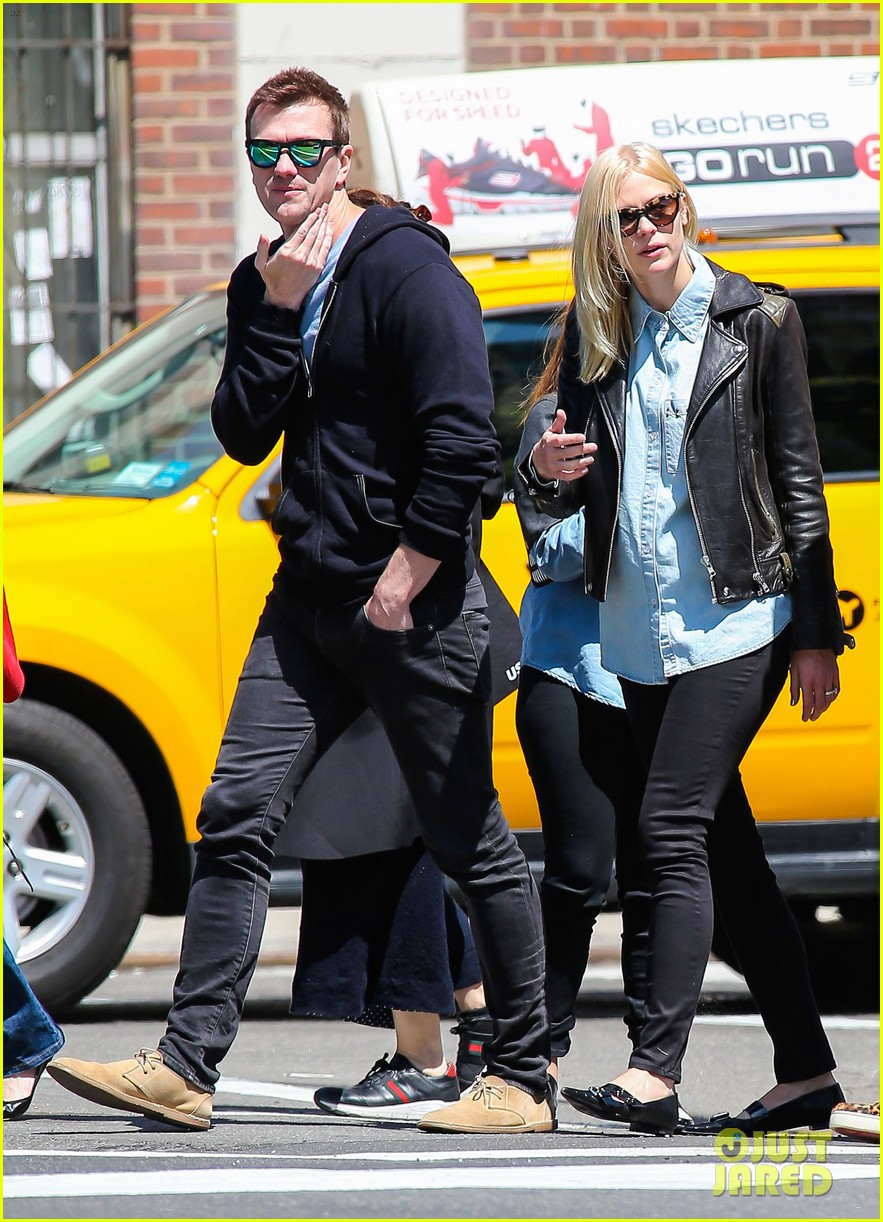 jaime king new york outing post pregnancy announcement 012864773