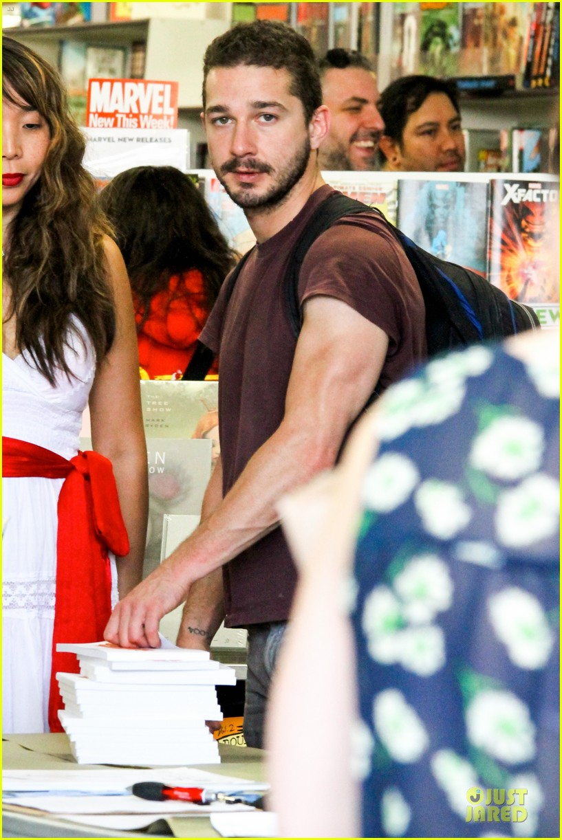 shia labeouf stale n mate book signing 02