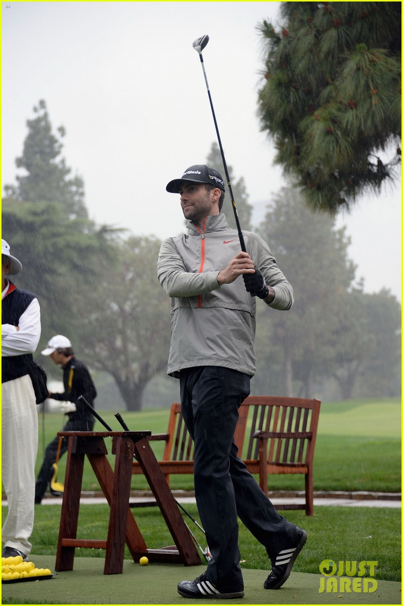 adam levine george lopez celebrity golf classic 2013 012864999