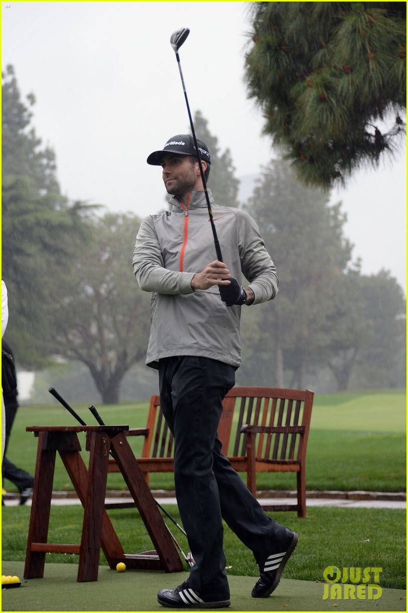 adam levine george lopez celebrity golf classic 2013 07