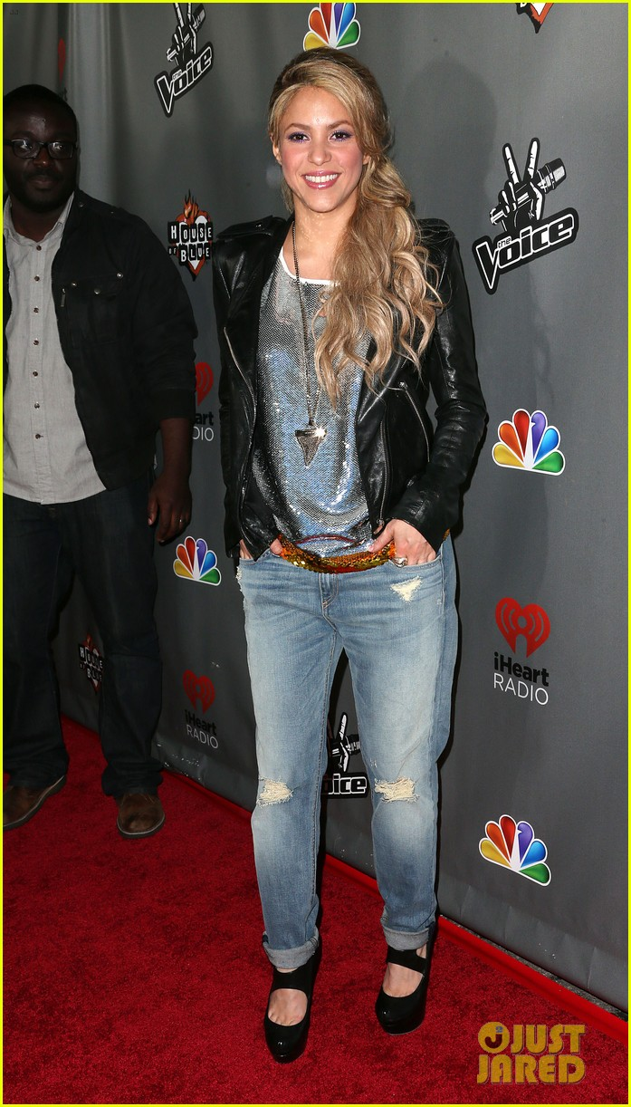 adam levine shakira the voice season 4 finalists party 12