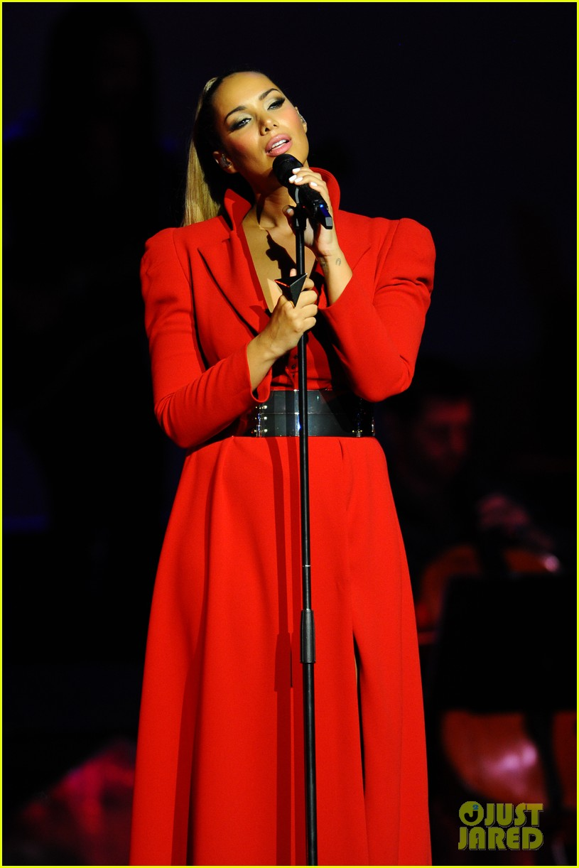 leona lewis glassheart tour at royal albert hall 06