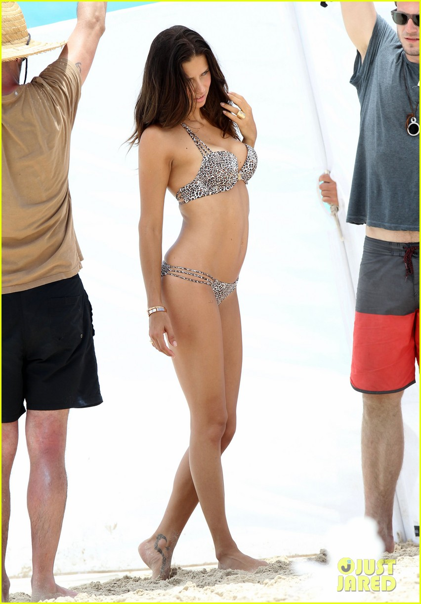 adriana lima bikini victorias secret photo shoot 01