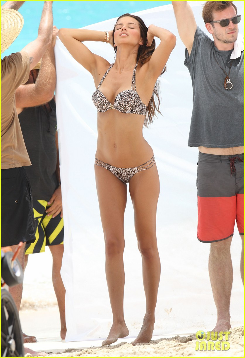 adriana lima bikini victorias secret photo shoot 37