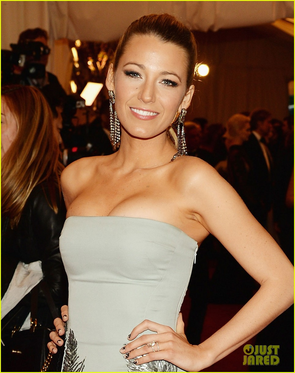 blake lively met ball 2013 red carpet 022865234