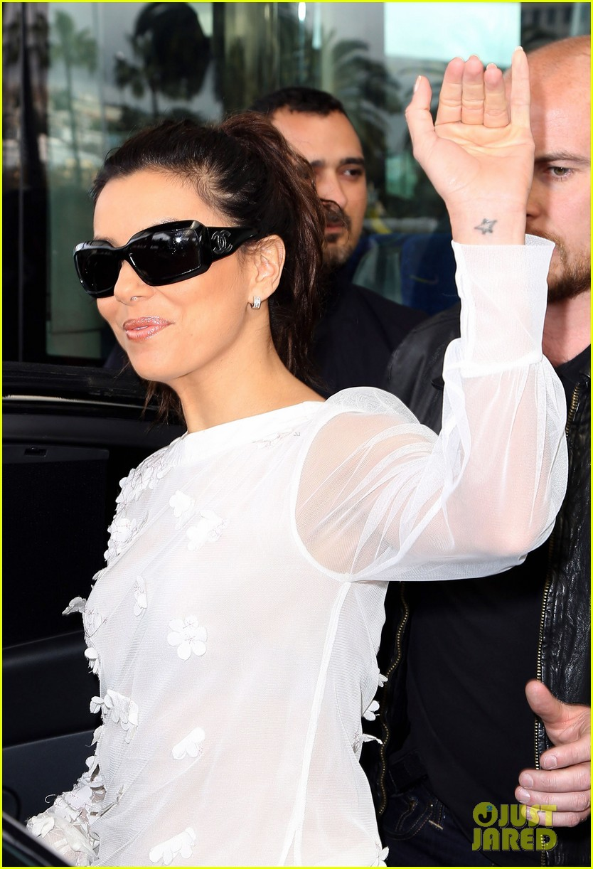 eva longoria liv tyler arrive for cannes film festival 12