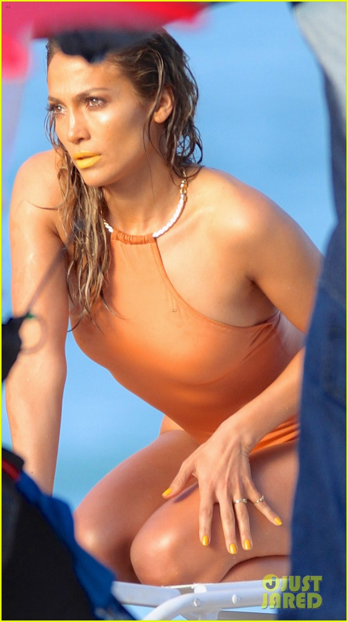 jennifer lopez music video set with shirtless casper smart 022864701