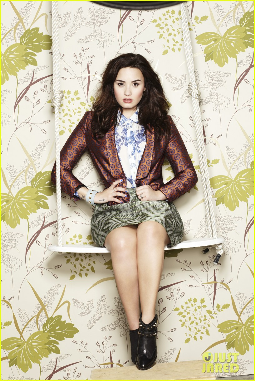 demi lovato covers company june 2013 032862877