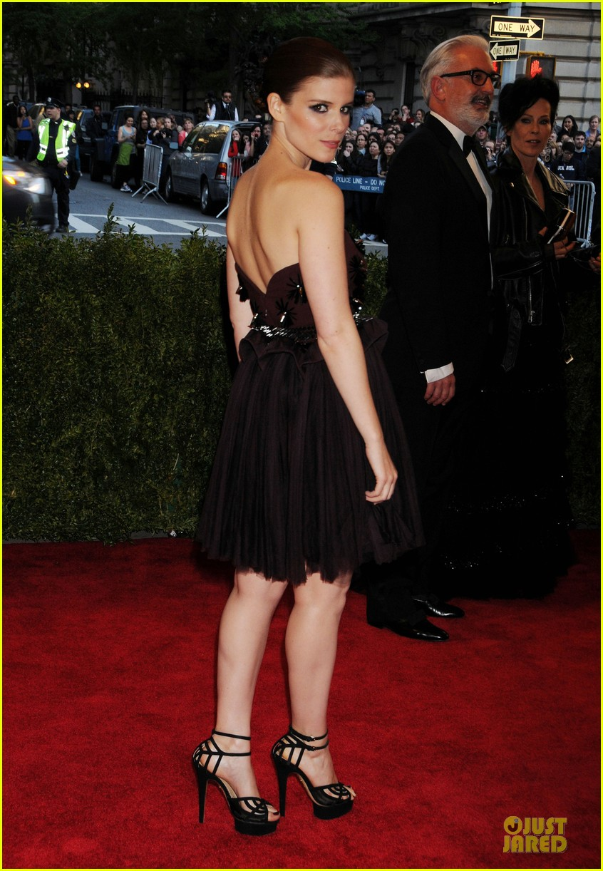 kate mara met ball 2013 red carpet 052865612