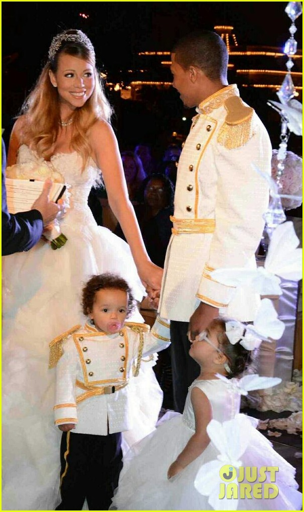 mariah carey nick cannon renew wedding vows at disney 022861804