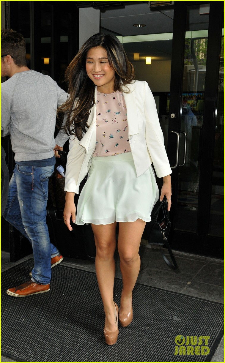 lea michele lands at lax jenna ushkowitz promotes book 04