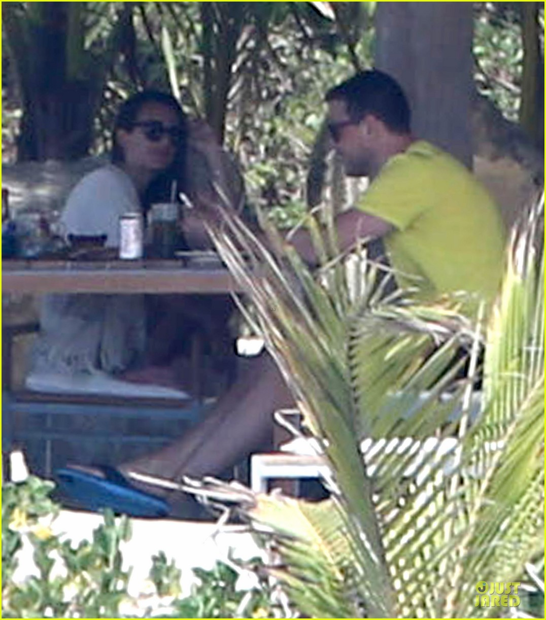lea michele cory monteith beach lunch in mexico 01