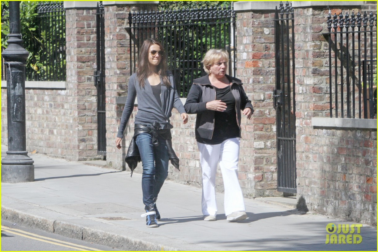 mila kunis takes a london stroll with her parents 14