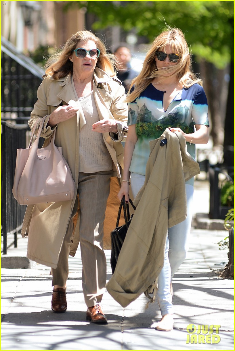 sienna miller lunches with mom tom sturridge is a tony nom 142862156