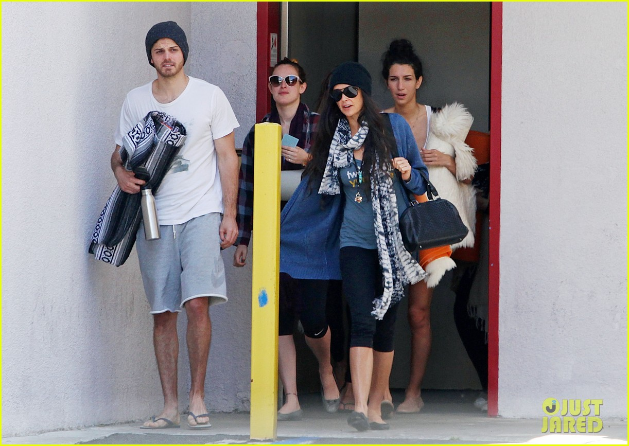 demi moore rumer willis leave yoga class together 10