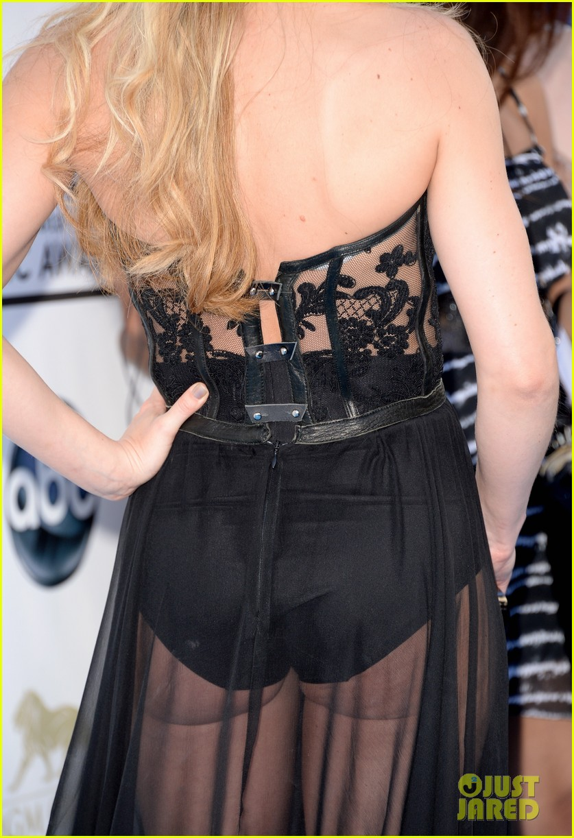 jennifer morrison billboard music awards 2013 red carpet 04
