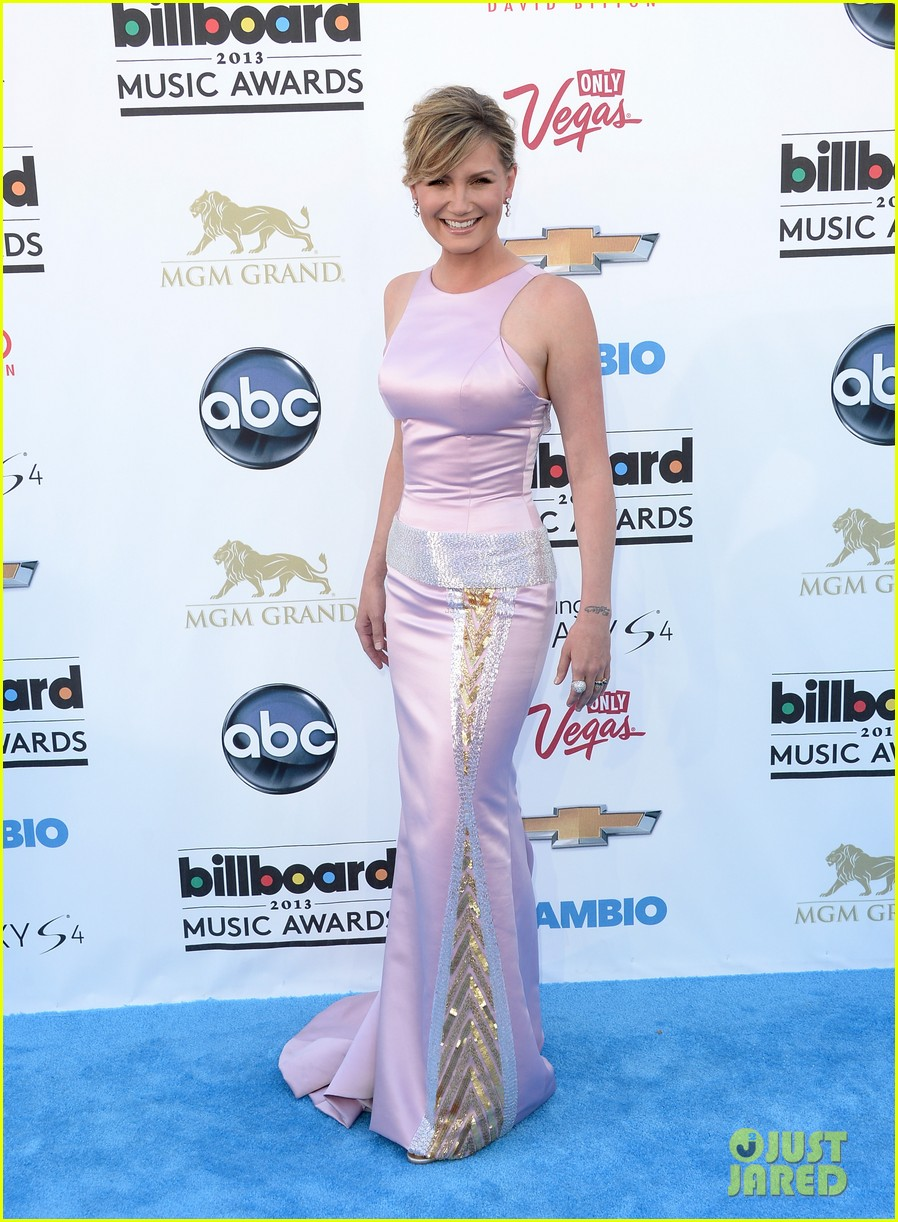 jennifer nettles billboard music awards 2013 red carpet 012873974
