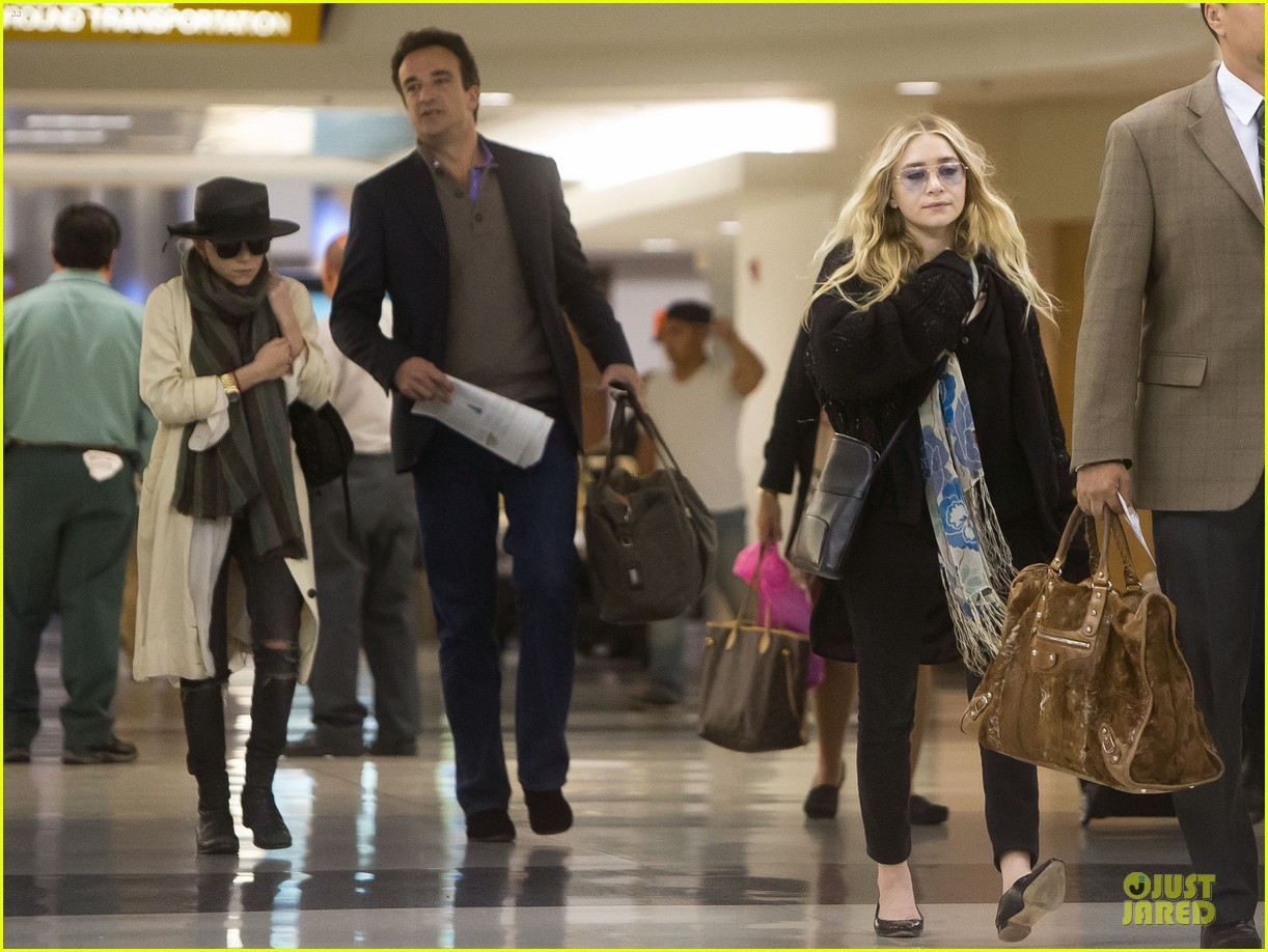 elizabeth mary kate olsen separate outings with boyfriends 07
