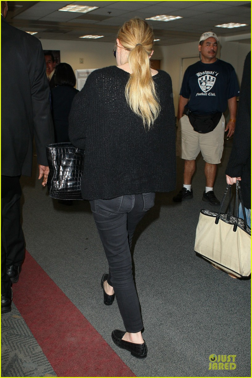 ashley olsen memorial day lax departure 162879665