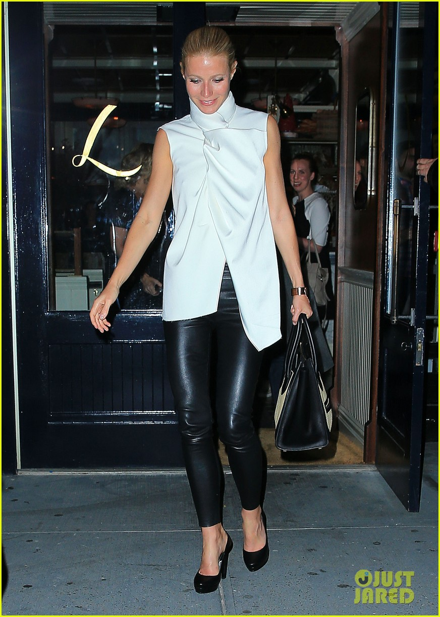 gwyneth paltrow top picks up gust of wind in nyc 052867012