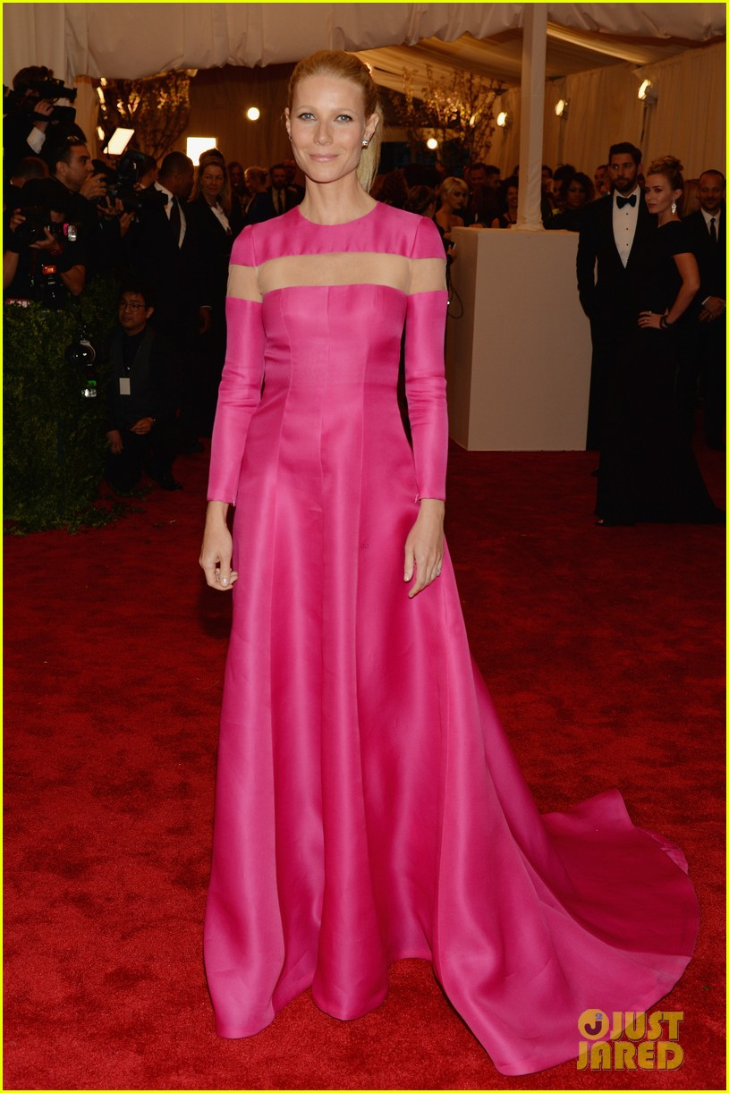 gwyneth paltrow met ball 2013 red carpet 012865208