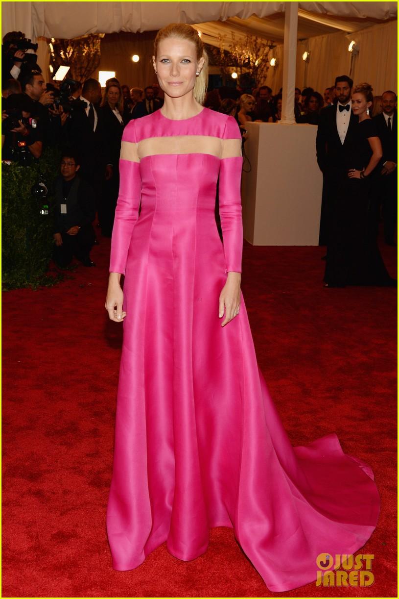 gwyneth paltrow met ball 2013 red carpet 04