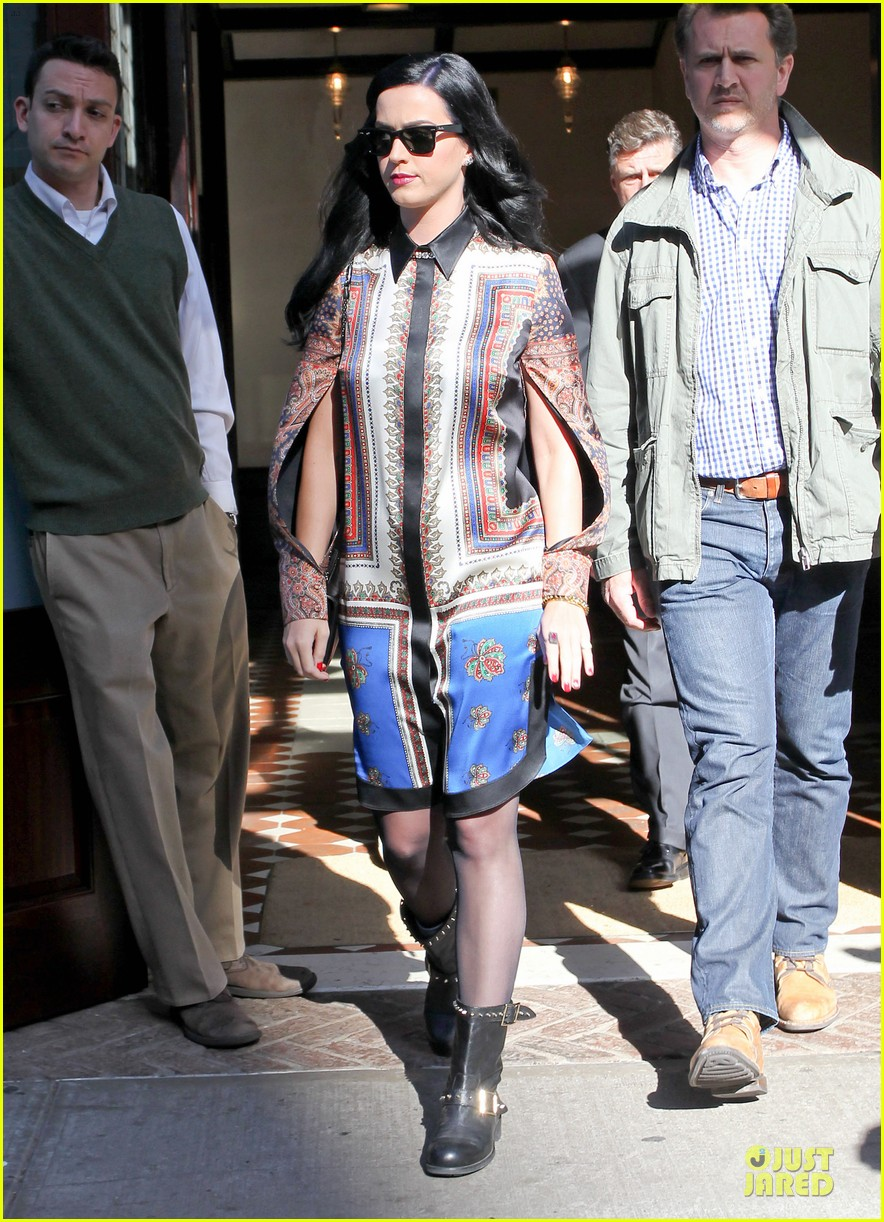 katy perry nyc hotel exit after killer queen unveiling 062863115