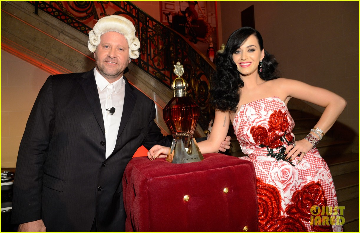 katy perry is the killer queen at third fragrance unveiling 042862762