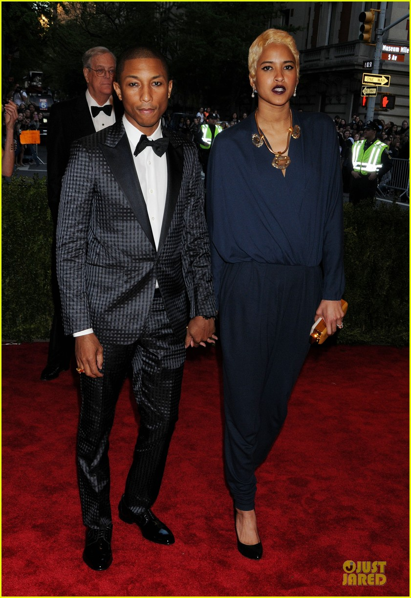 pharrell tyson beckford met ball 2013 red carpet 01