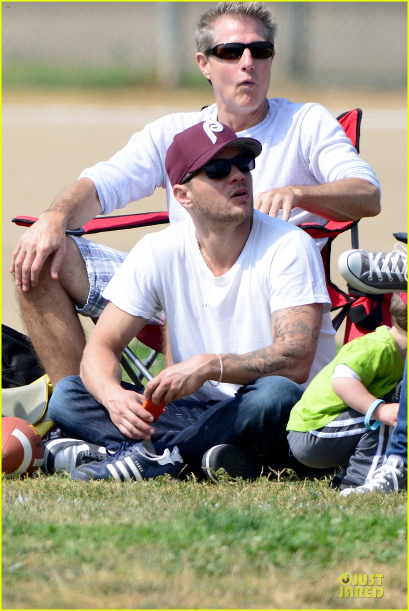 ryan phillippe abs flashing at deacon football game 082863596