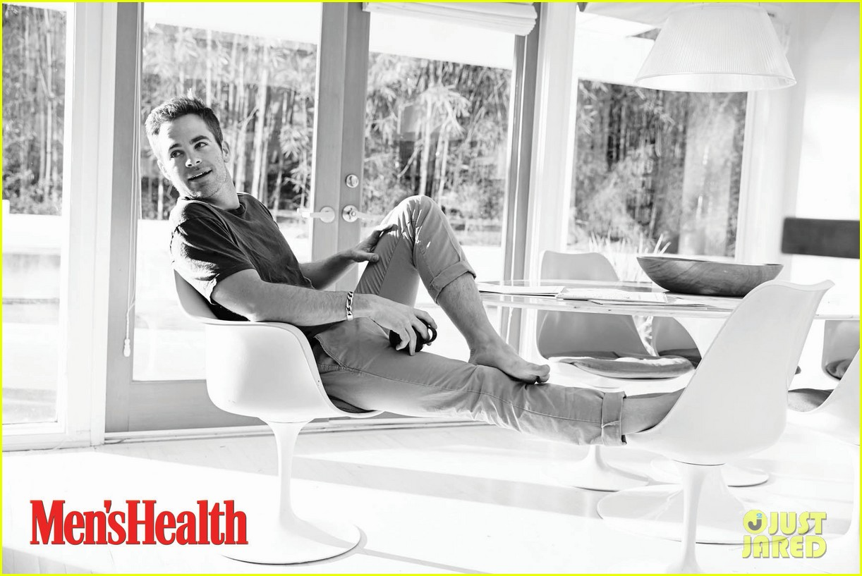 chris pine covers mens health june 2013 02