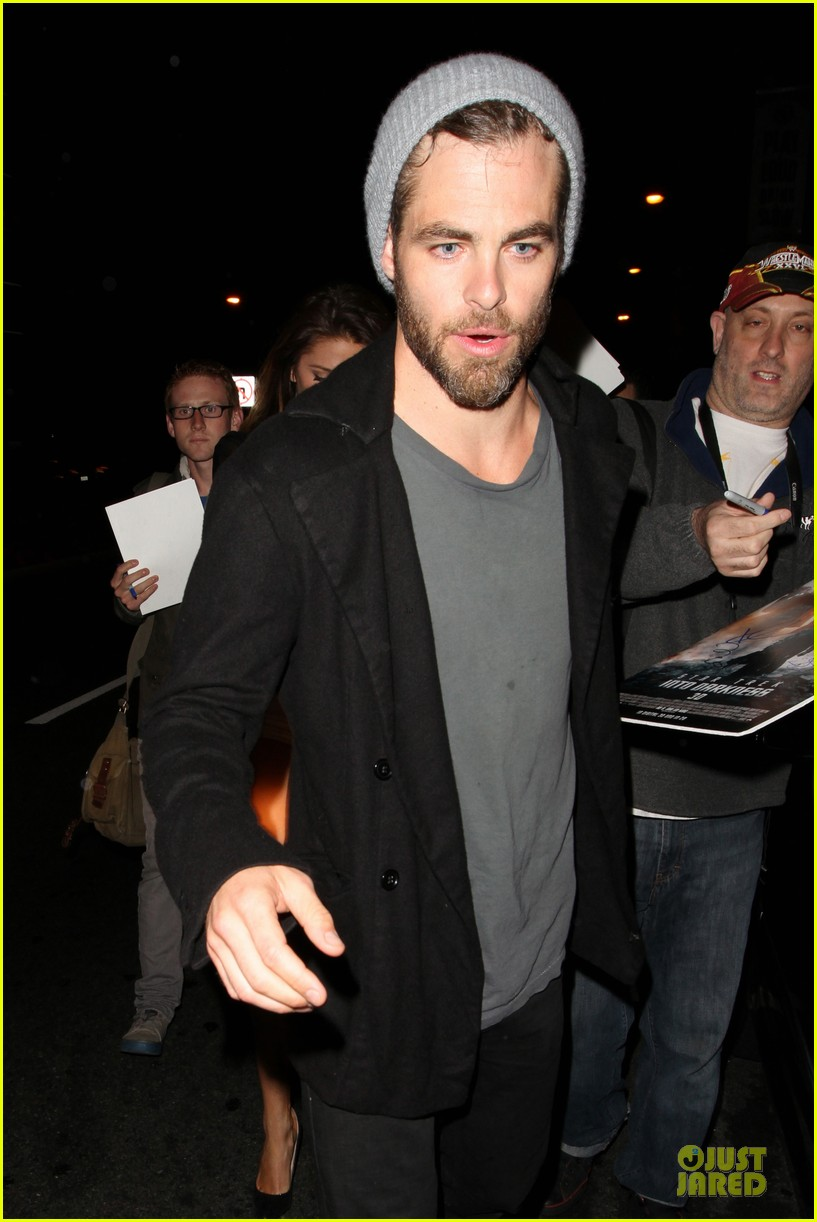 chris pine hold hands with mystery gal at bootsy bellows 122877874