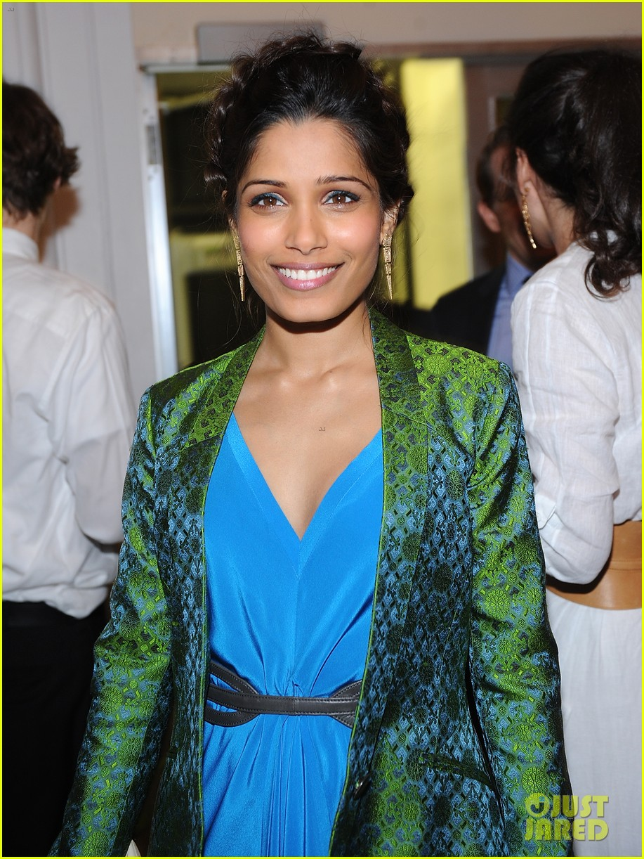 freida pinto maiyet varanasi silk capsule collection dinner 09