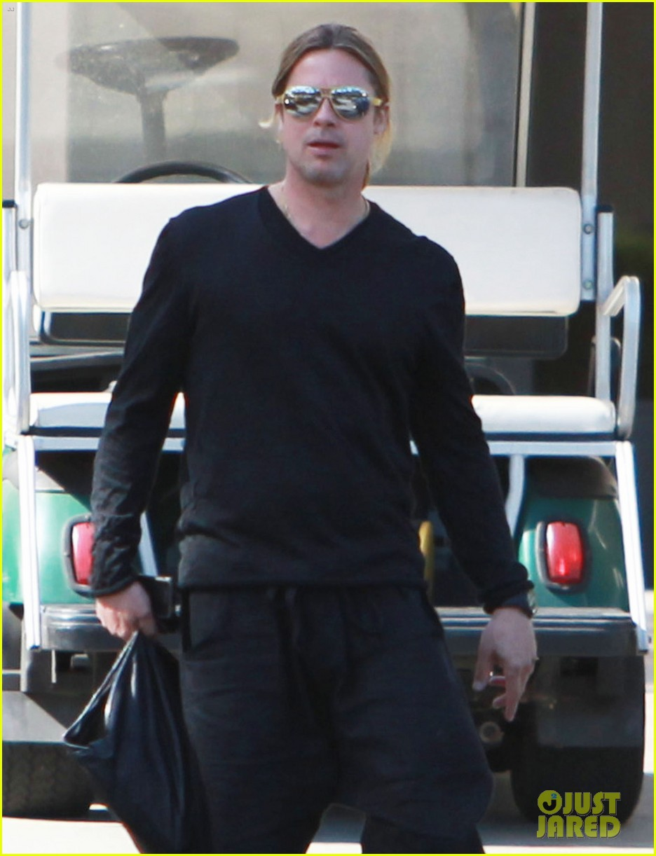 brad pitt steps out after angelina jolie double mastectomy 29