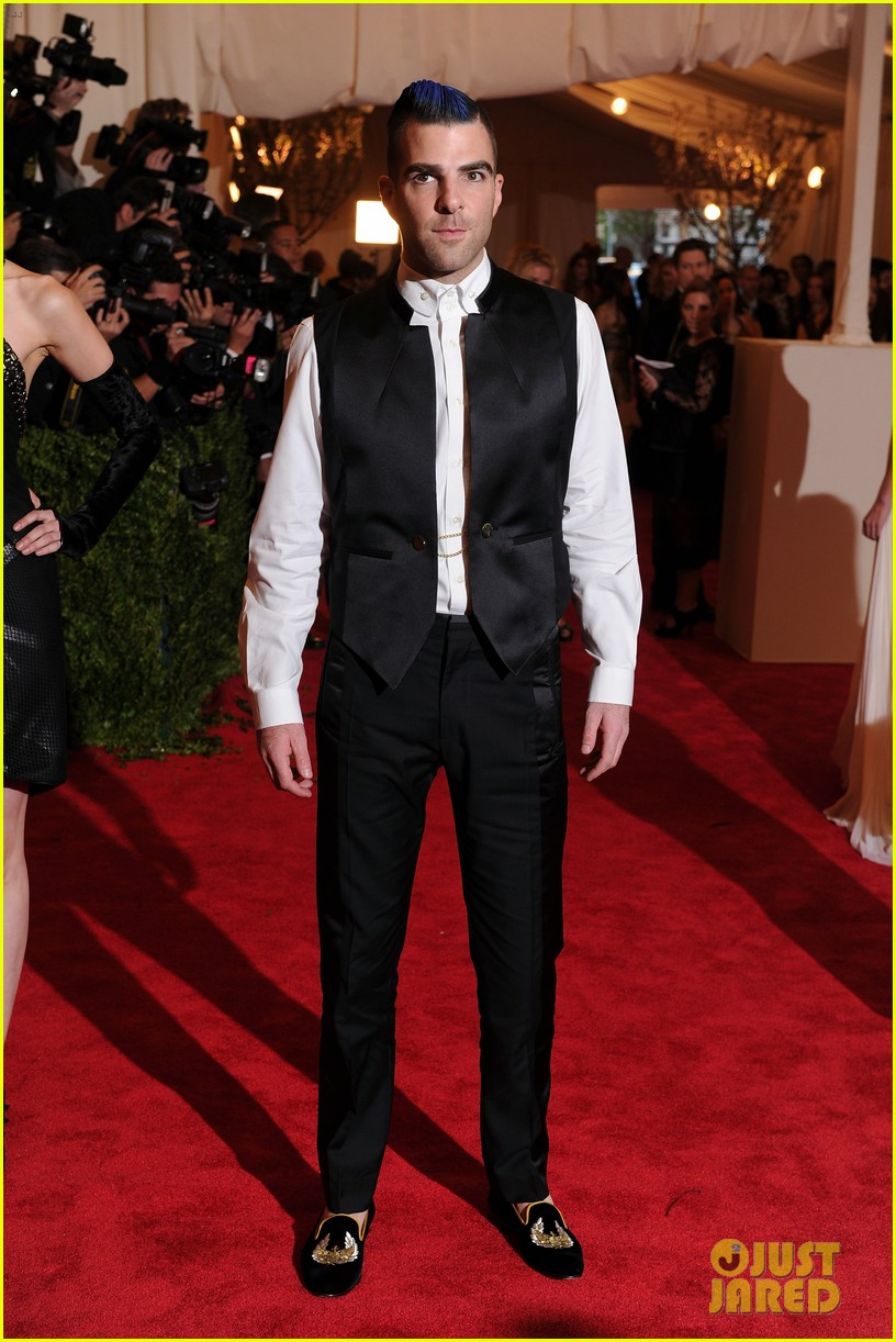 zachary quinto blue hair on met ball 2013 red carpet 052865699