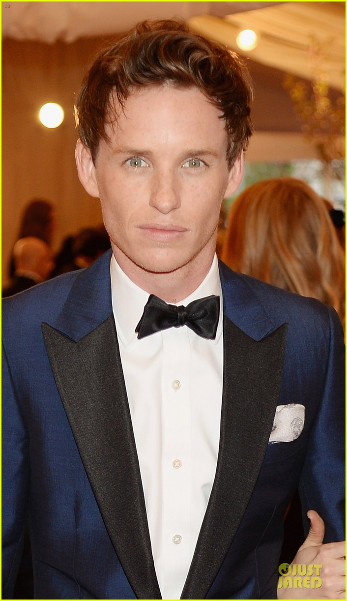 eddie redmayne mamie gummer met ball 2013 red carpet 042865809