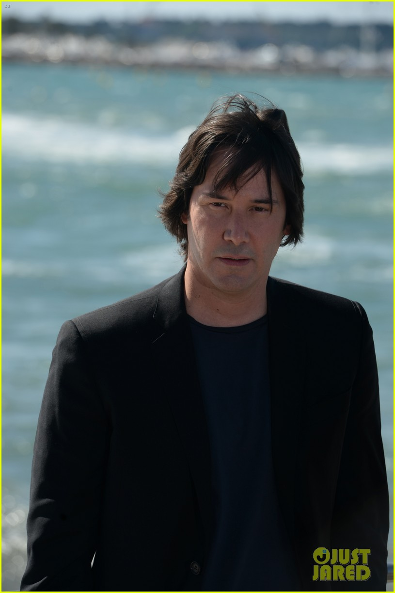 keanu reeves man of tai chi cannes photo call 09