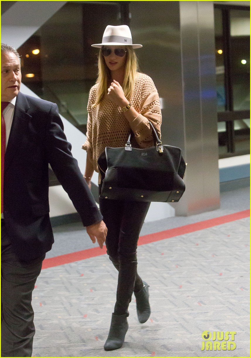 rosie huntington whiteley lax after great photoshoot 032861808