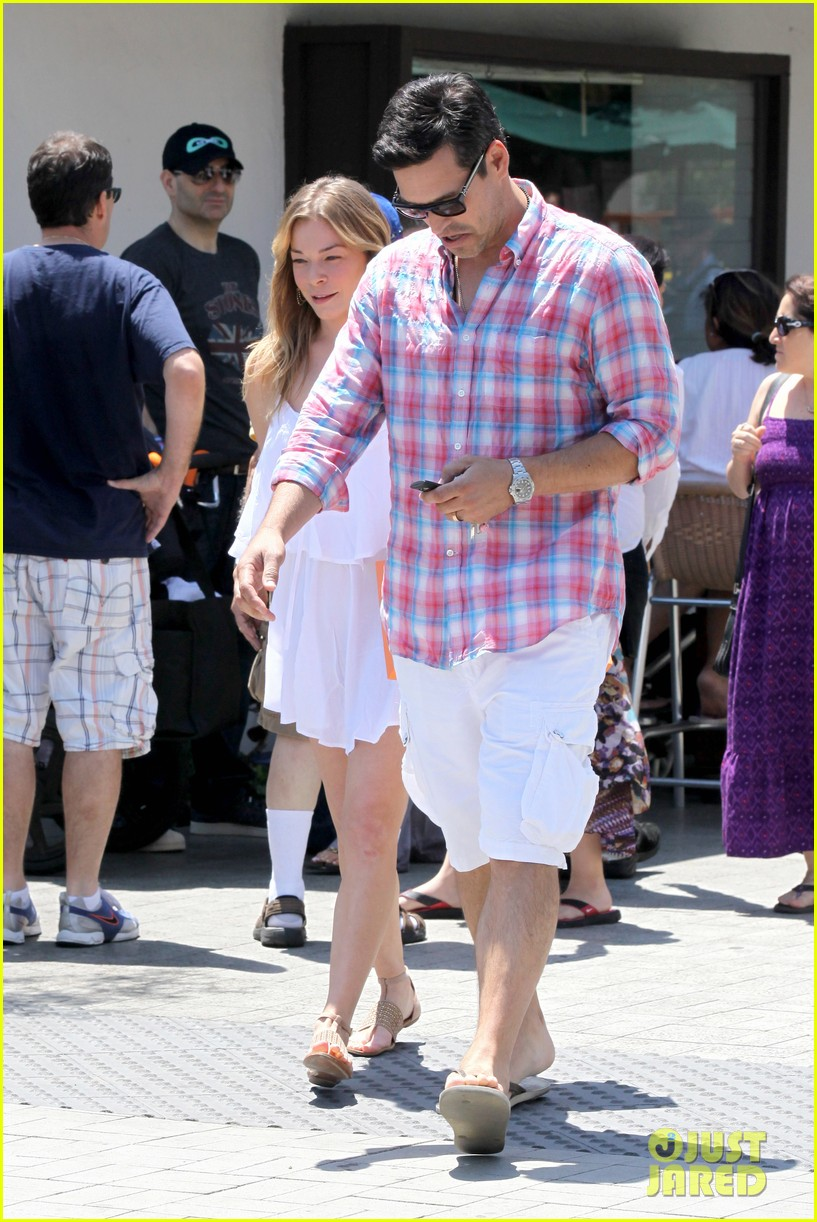 leann rimes eddie cibrian mothers day lunch parents 012869300