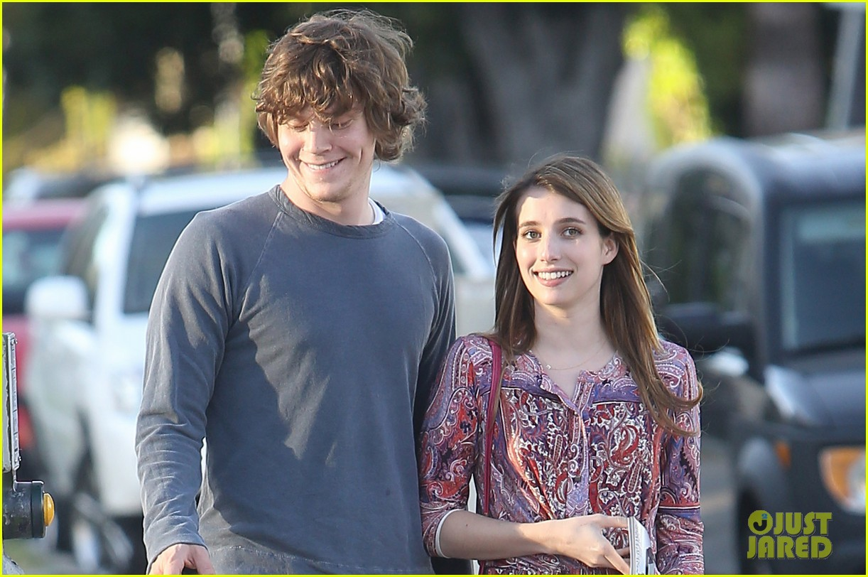 emma roberts evan peters loved up in la 10