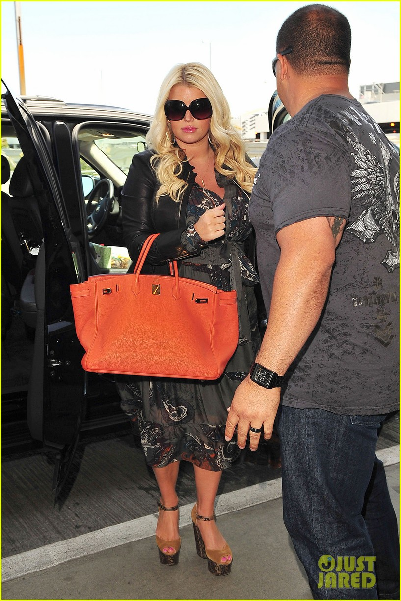jessica simpson eric johnson family flight with maxwell 05