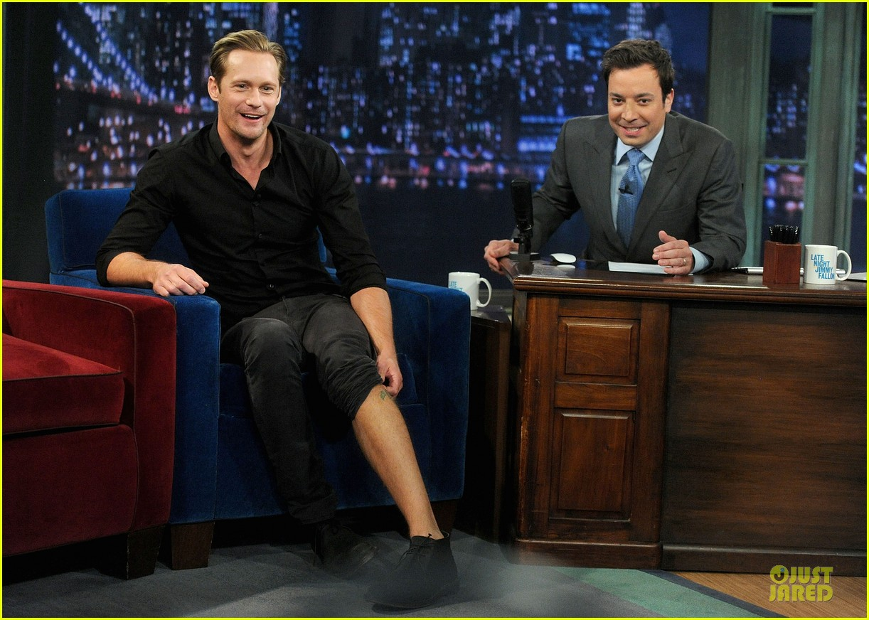 alexander skarsgard leg tattoo on fallon with carey mulligan 012863140