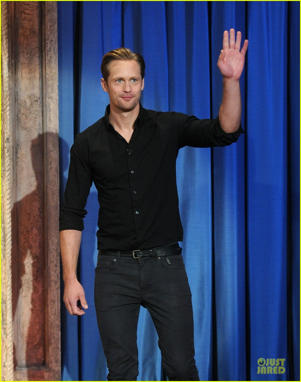 alexander skarsgard leg tattoo on fallon with carey mulligan 11
