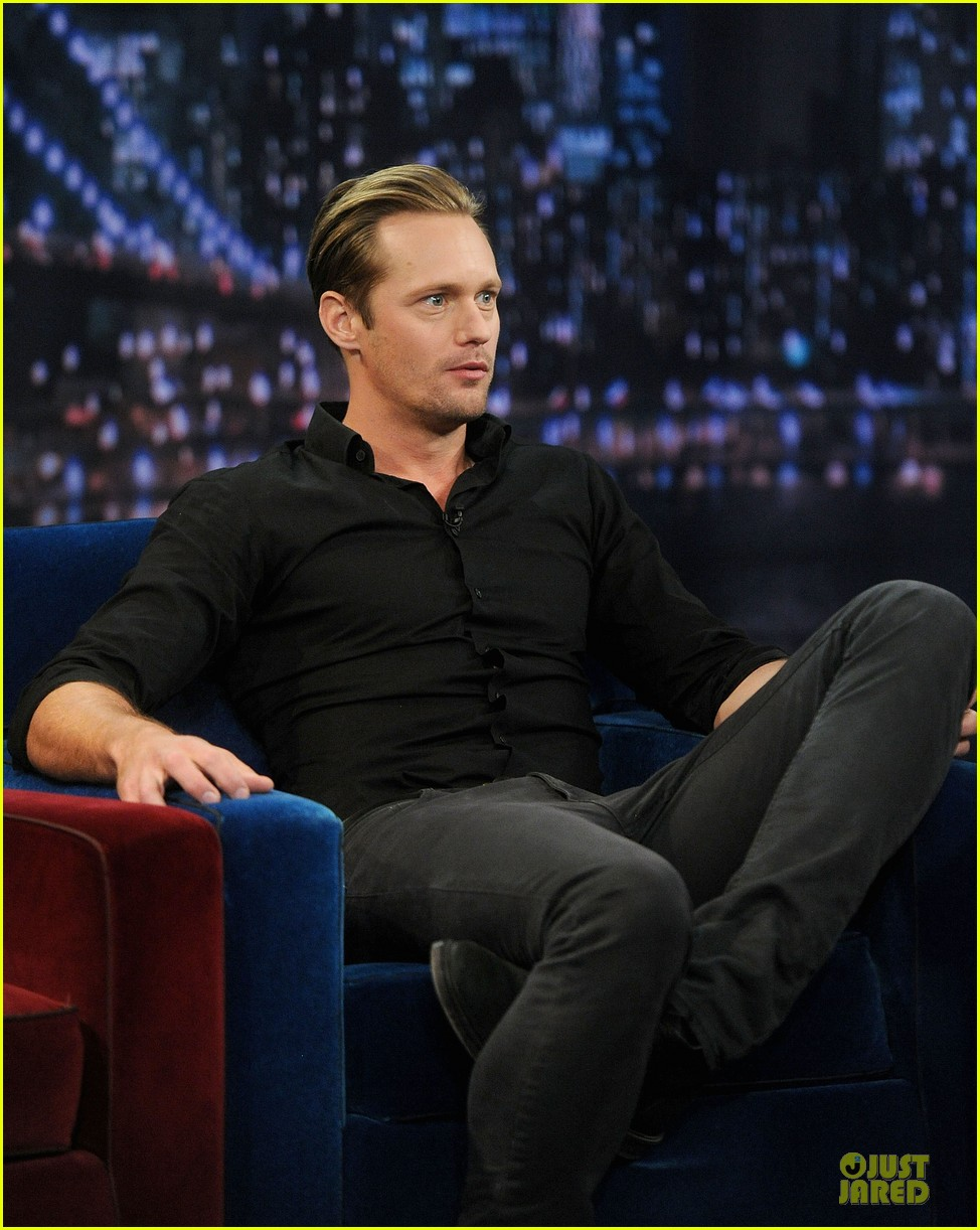 alexander skarsgard leg tattoo on fallon with carey mulligan 13