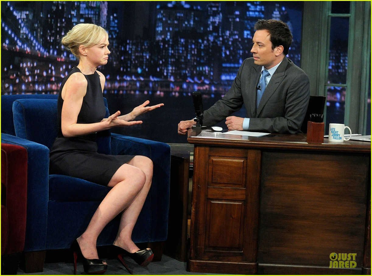 alexander skarsgard leg tattoo on fallon with carey mulligan 302863169