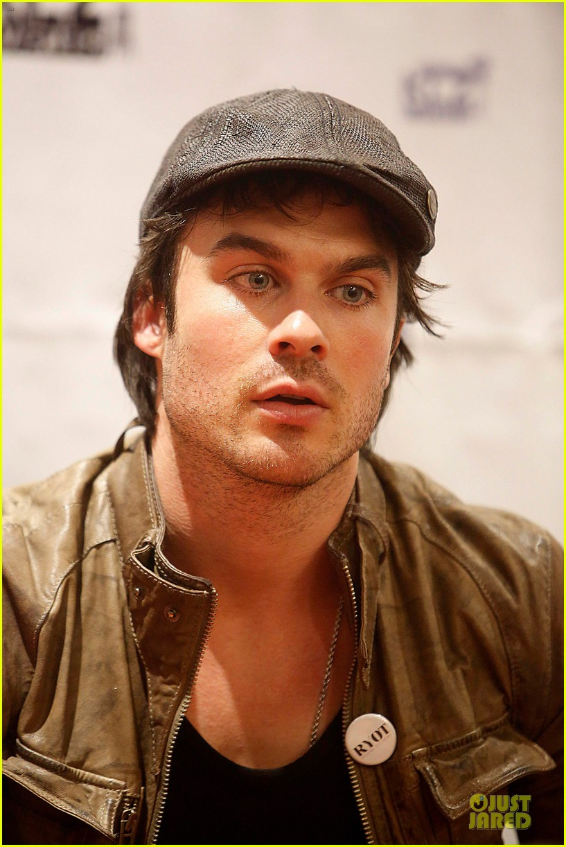 ian somerhalder bloodynightcon3 barcelona press conference 10