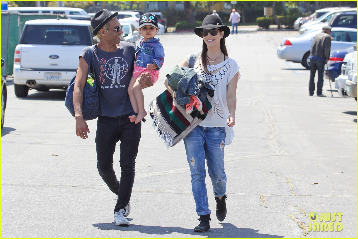 gwen stefani spends beach day with kingston zuma 27