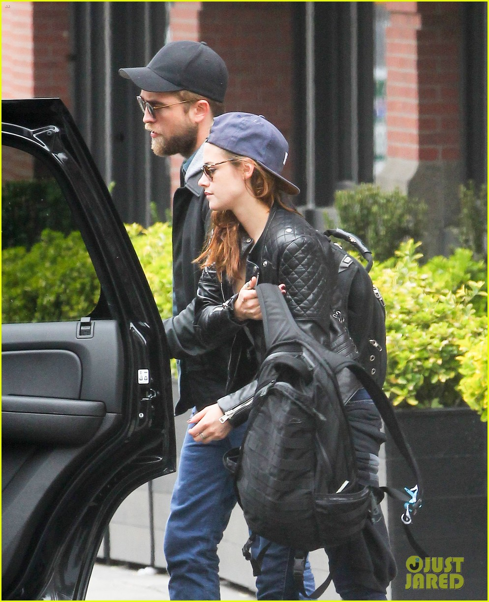 kristen stewart robert pattinson spotted together in nyc 222868178