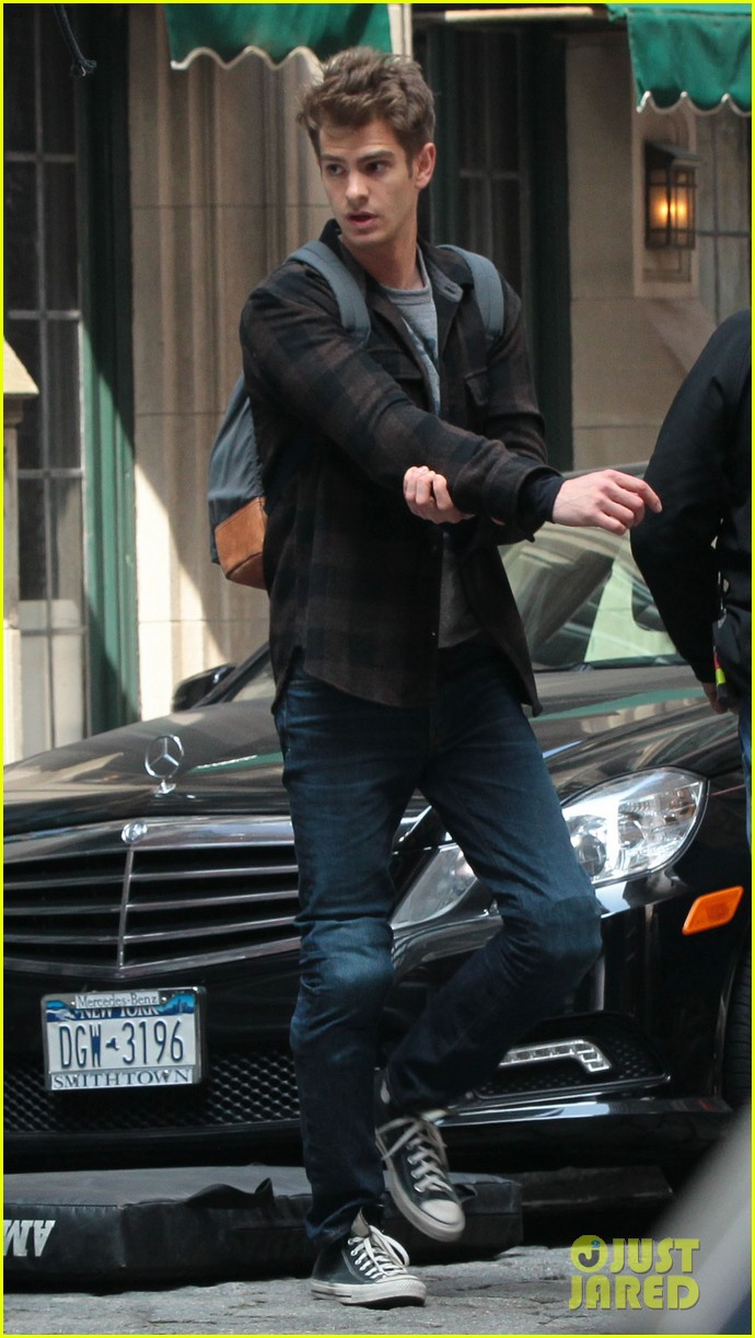 emma stone andrew garfield day 82 on spider man 2 set 082880343